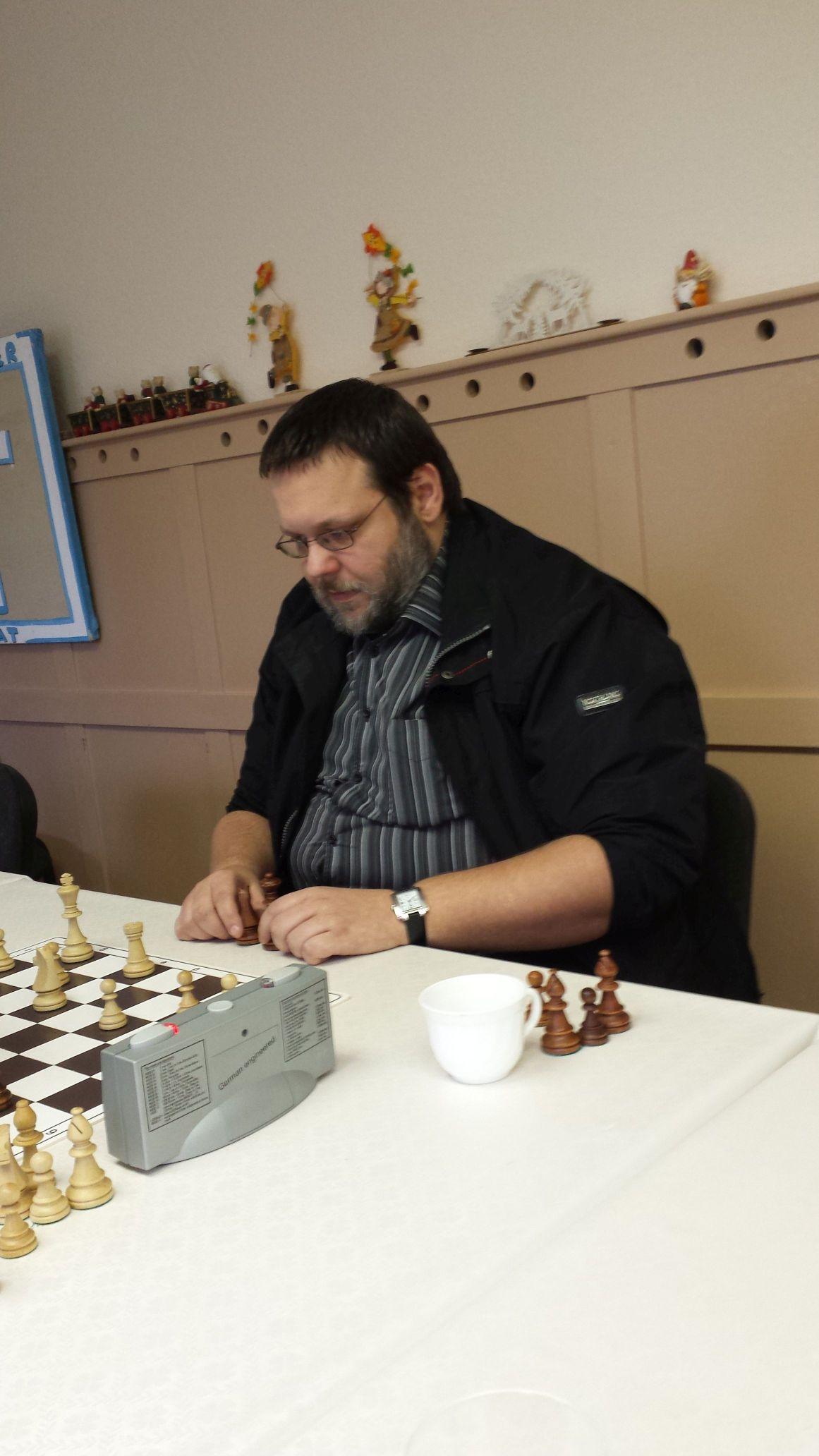 Der spätere Sieger beim konzentrierten Spiel